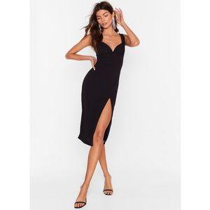 ✨ NWT Nasty Gal Plunge Down Midi Dress ✨